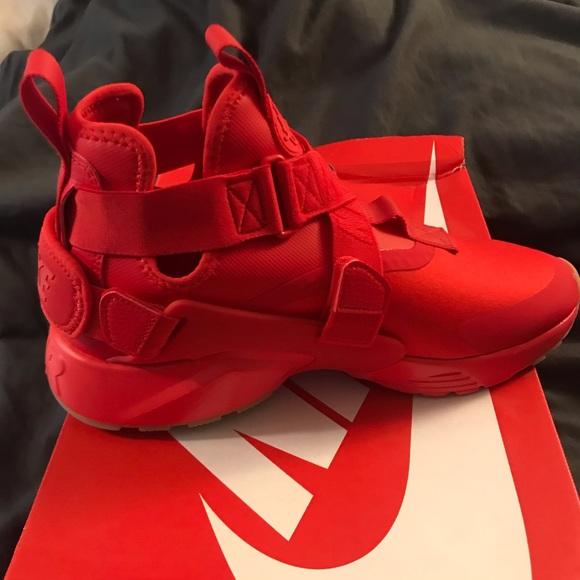 Women's Nike Air Huarache City Red